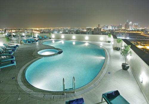 Auris_Pool